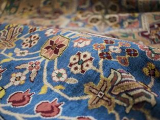 قالیشویی فرش قرمز